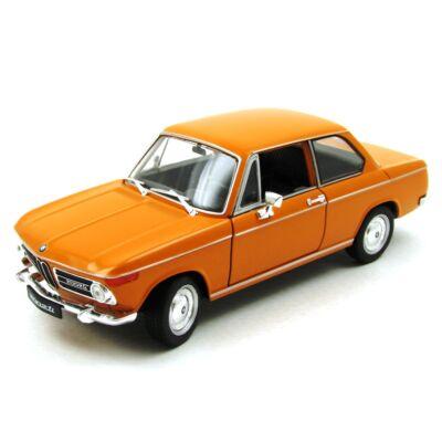 BMW 2002ti 1:24 fémautó