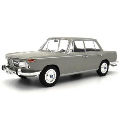 Bmw 2000 1966 1:18 Modellautó