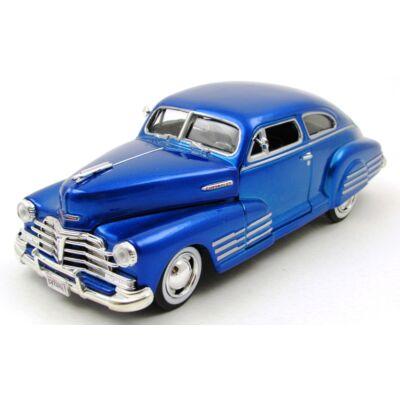 Chevy Aerosedan Fleetline 1948 1:24 fémautó