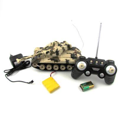 Távirányítható akkumulátoros harckocsi 14