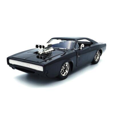 "Dodge Charger R/T 1:24 ""Halálos Iramban-Dom Figurával"""