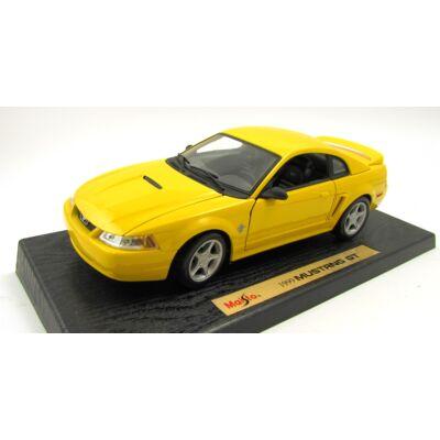 Ford Mustang GT 1999 1:18 fémautó