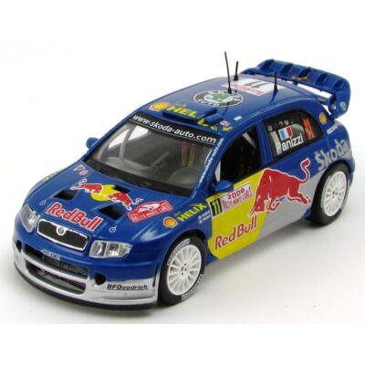 Skoda Fabia WRC Rally 2006 modellautó vitrinben fémautó