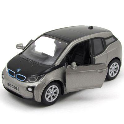 BMW i3 kisautó