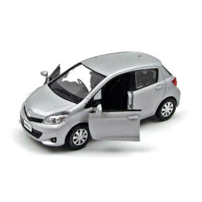 RMZ Toyota Yaris játékautó