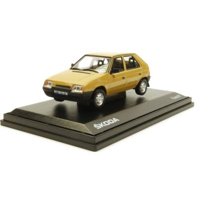 Skoda Favorit 136L 1988 1:43 Makettautó