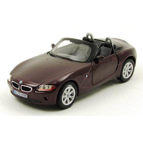 BMW Z4 fémautó